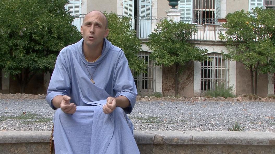 Est-il humain pour un prêtre de ne pas avoir de relations sexuelles ?